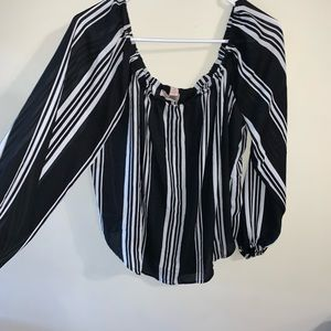 FOREVER 21 B&W Stripped Off The Shoulder Top